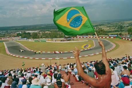 Três campeões pintaram Fórmula 1 de verde-amarelo