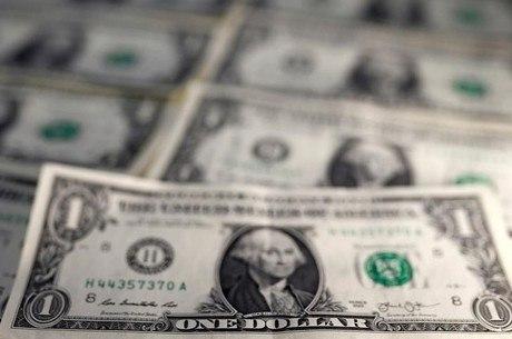 Dólar comercial é vendido por R$ 3,84