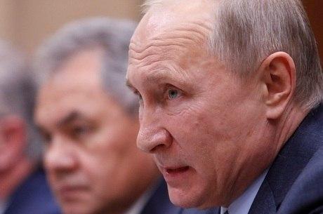 Putin fez anúncio em visita surpresa à Síria