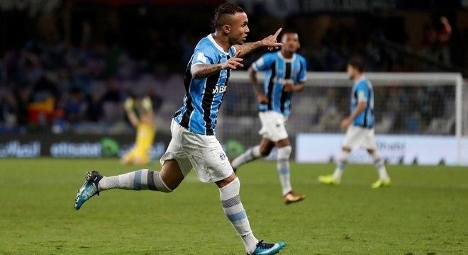 e1f9a78aea Everton marcou para o Grêmio aos 5 minutos do primeiro tempo da prorrogação