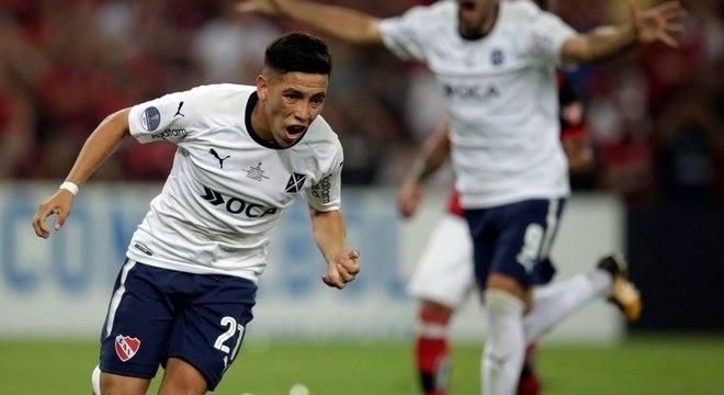 Ezequiel Barco comemora o gol do título do Independiente
