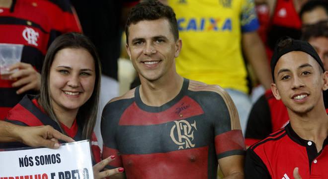 e96bad2265ff1 Torcedor que tatuou camisa do Fla marca presença no Maracanã ...