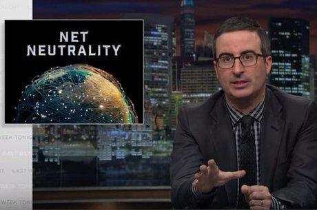 O comediante britânico John Oliver fez uma série de vídeos no YouTube em defesa da neutralidade da rede | Foto: HBO / Youtube