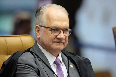 Fachin manda denúncia contra Lula e Dilma para Justiça