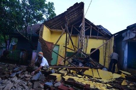 Terremoto provocou destruição e mortes no país