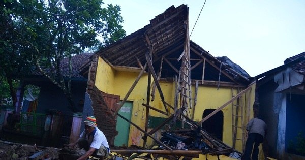 Forte terremoto atinge Java, na Indonésia, e deixa três mortos