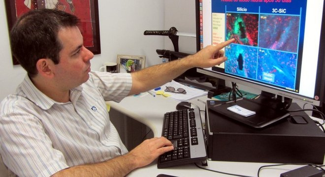Pesquisador Mario Gazziro, na USP, compara respostas do cérebro a chip implantável