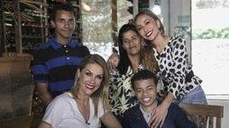 Ana Hickmann realiza o sonho de um fã em tratamento contra o câncer (Edu Moraes/Record TV )