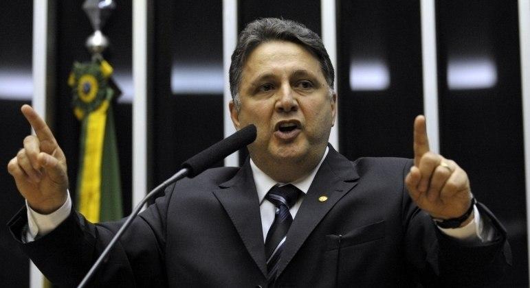 'Cada vitória serve como marca de resistência', diz a defesa de Anthony Garotinho