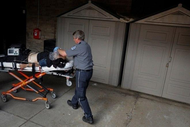 Em todo o país, as overdoses por opiáceos mataram 42.249 pessoas em 2016, 28% a mais do quem em 2015. Em Boston, o serviço de ambulâncias recebeu mais de 20 mil chamadas por socorro para overdoses de opioides em 2016