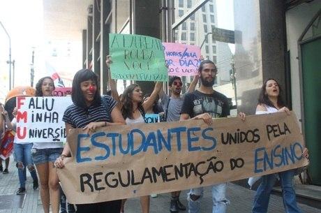 Estudantes mostram insatisfação com mudanças