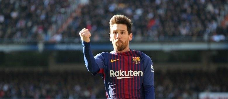 Messi fez o segundo gol na vitória do Barcelona por 3 x 0 sobre o Real Madrid