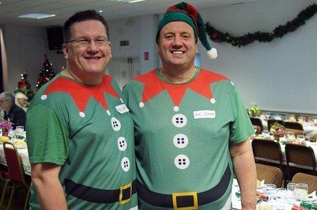 Woodman e Sharp reúnem pessoas solitárias no Natal
