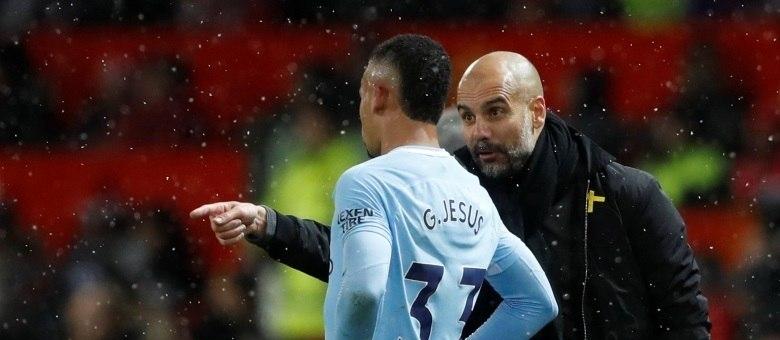 O Manchester City, de Gabriel Jesus e Guardiola: líder invicto no inglês