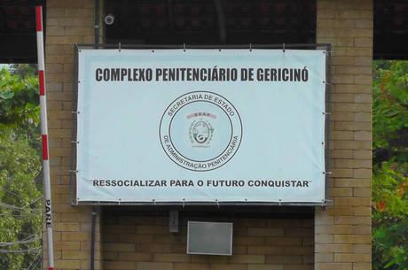 Presos fugiram do complexo de Gericinó