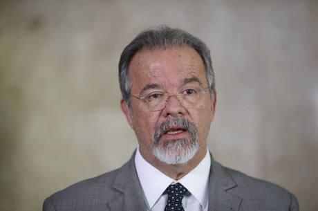 Ministro diz que mandado coletivo já foi usado antes