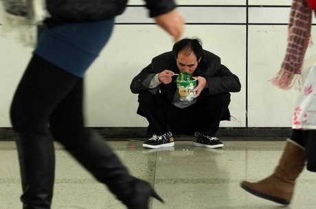 Mudanças demográficas e na renda da população chinesa ajudam a explicar queda nas vendas de macarrão instantâneo