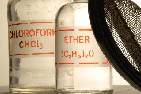 O clorofórmio acabou substituindo o éter