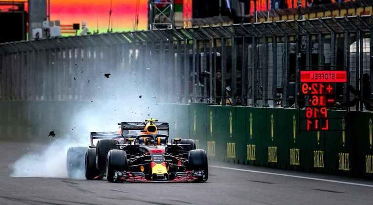 2018 foi um ano marcante para companheiros de equipe. A relação entre Max Verstappen e Daniel Ricciardo azedou de vez após acidente no Azerbaijão
