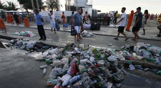Réveillon em Copacabana gerou 285,65 toneladas de lixo