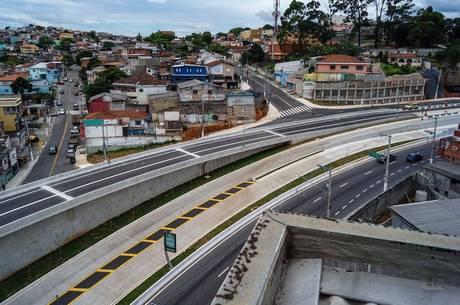 Viaduto Dona Marisa foi aberto nesta quarta-feira (3)