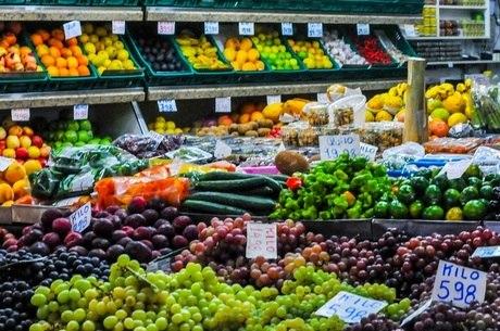 Alimentos ficaram mais caros no varejo