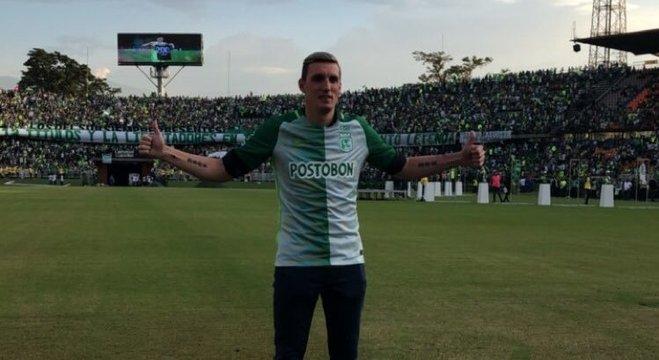 Armani se despediu de mais de 30.000 torcedores do Atlético Nacional