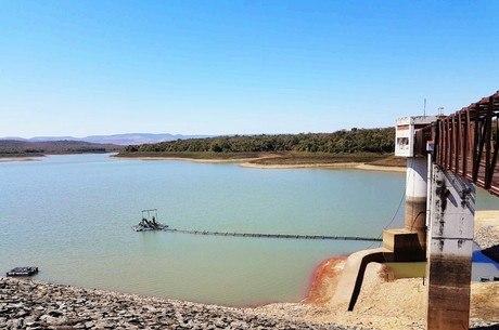 Estiagem castiga barragem de Juramento