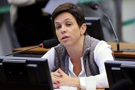 Deputada vai aguardar decisão do STF sobre caso