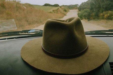 """Fabricante do tradicional chapéu disse que """"bullying de qualquer tipo é inaceitável"""""""