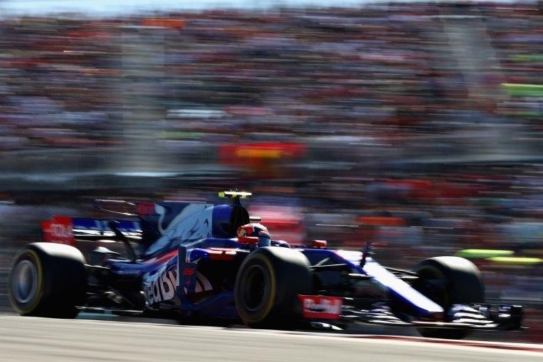 Ferrari anuncia Daniil Kvyat como piloto de testes