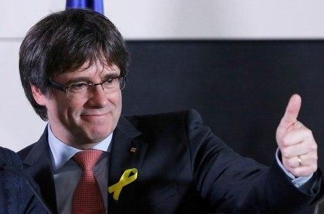 Puidgemont segue auto-exilado em Bruxelas