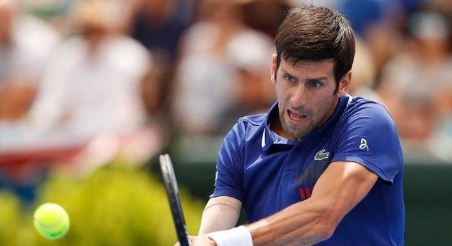 Lesão no cotovelo direito fez Djokovic cair para 14º lugar do ranking da ATP