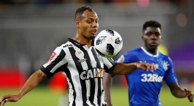 Mansur, lateral-esquerdo do Atlético-MG no jogo contra o Rangers-ESC pela Florida Cup