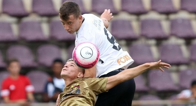 Corinthians relaxou e permitiu empate do Sport no segundo tempo em Araraquara