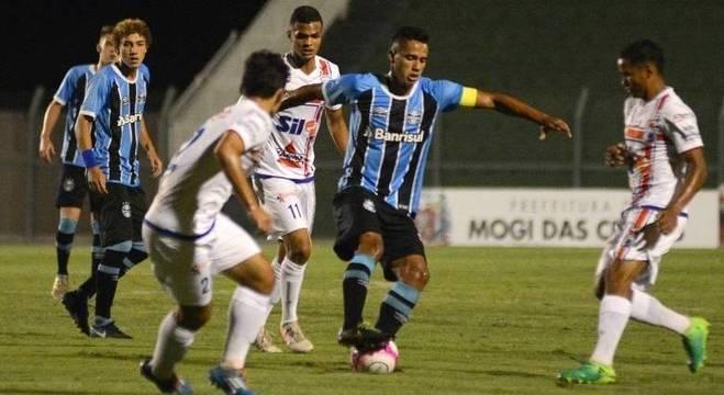 Grêmio demonstrou bom domínio de bola na vitória contra Guarulhos