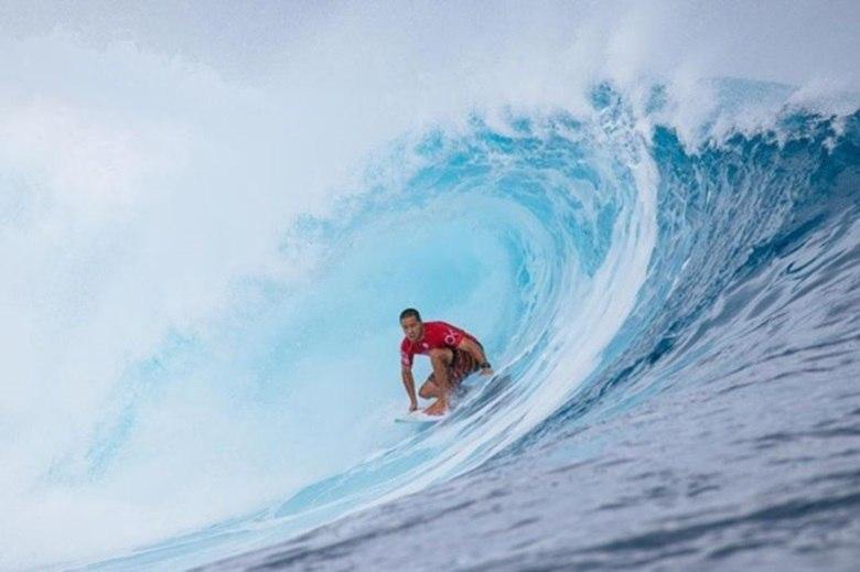 Mineirinho, campeão mundial de 2015, é um dos cinco surfistas patrocinados pelo empresário