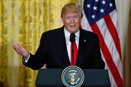 Trump negou que tenha usado palavras de baixo calão