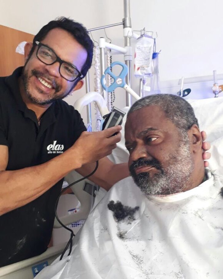 Fotos de Arlindo Cruz se recuperando emocionam sambistas
