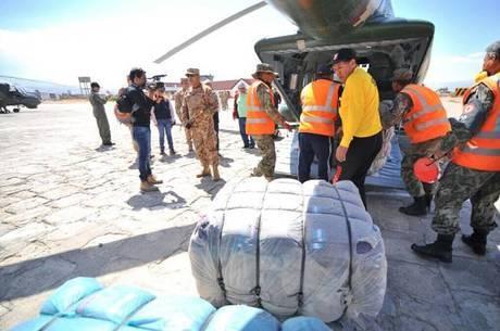 Governo entrega 100 tendas para pessoas feridas