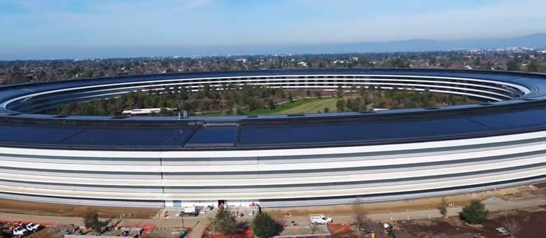 Imagem aérea do Apple Park, nova sede da Apple em Cupertino, na Califórnia