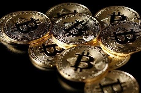 Bitcoin chegou a valer R$ 64.200 em dezembro