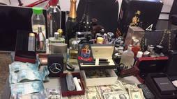Suspeitos roubam casa em São Paulo e levam R$ 900 mil em dinheiro e joias ()