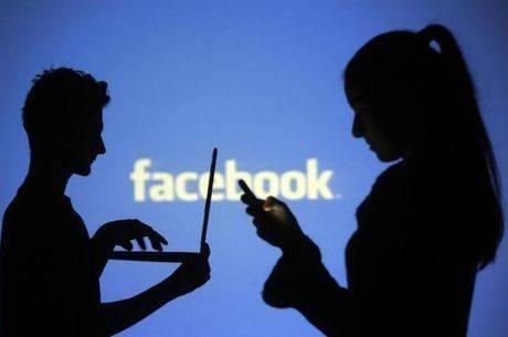 Contra 'interferência russa', Jim Carrey deleta conta no Facebook