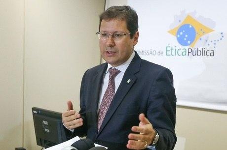 Advogado Mauro Menezes é ligado à CUT