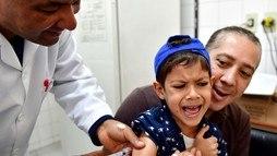 São Paulo antecipa campanha em quatro dias. Vacinação fracionada começa dia 24 ()
