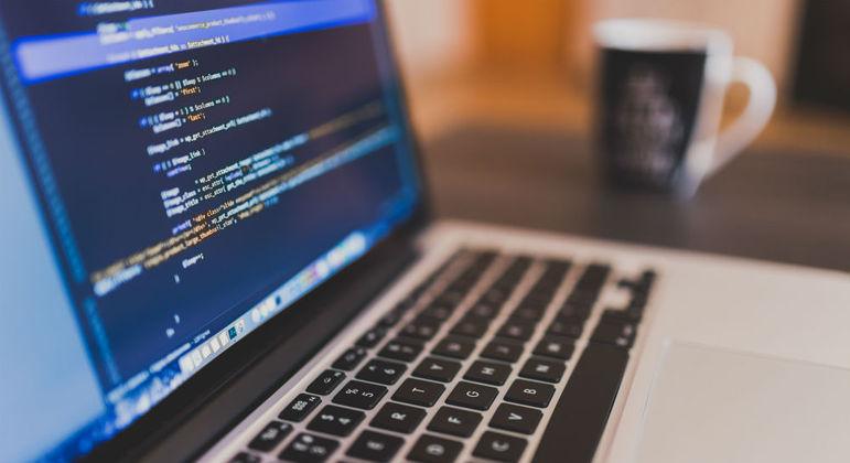 Desenvolvedores de softwares são disputados por empresas de tecnologia