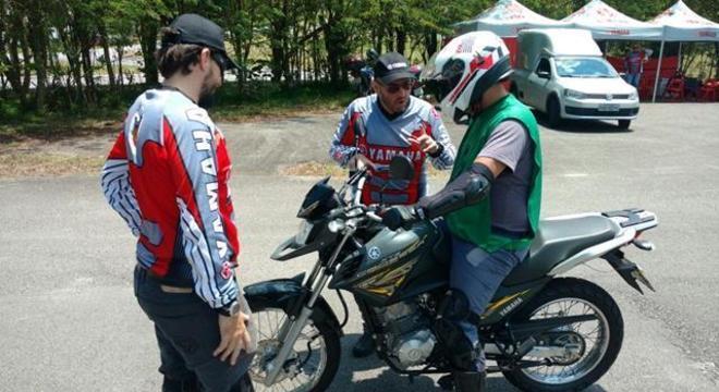 Em ação fazendo dupla com André Garcia que realizava reciclagem