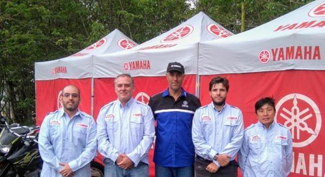 Da esquerda para direita: André Garcia, Gordon (Diamar), Betão (Instrutor Yamaha), Prof. Renato e Shoji (mecânico na Diamar)