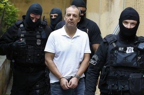 Sérgio Cabral cumpre penas que, somadas, passam de 300 anos